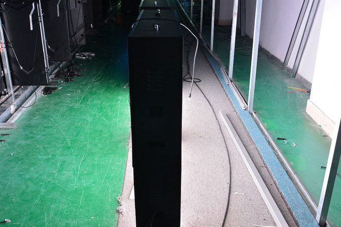 P8mm Double Side LED display Front Service LED Screen