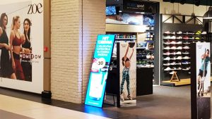 LED poster screen can boost your customer traffic